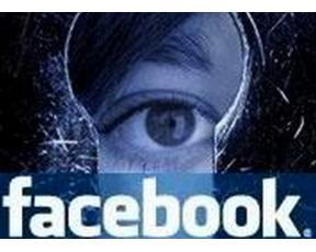 facebook spioneaza