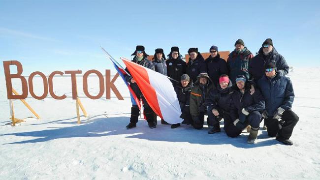 echipa cercetatori rusi Antarctica
