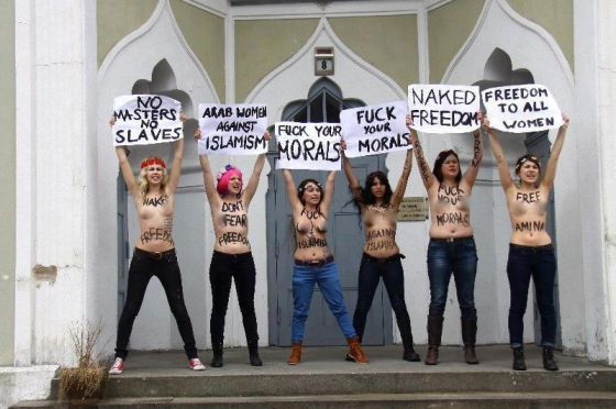femen-protest-anti-islamic